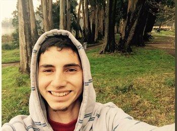 Carlos - 20 - Estudiante
