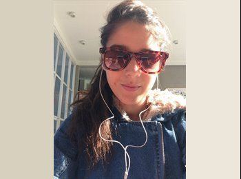 Nicole - 21 - Estudiante