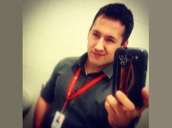 Sebastian Bustos A. - 25 - Profesional