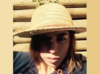 Natalia Olave  - 28 - Profesional