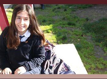 Rachel - 18 - Estudiante