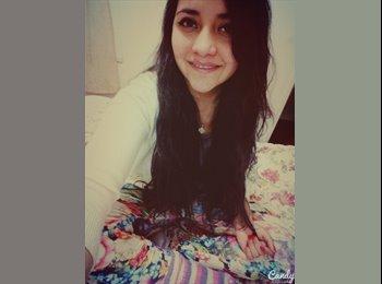 Maria José toloza  - 18 - Estudiante
