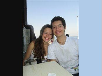 Francisca Urrutia - 20 - Estudiante