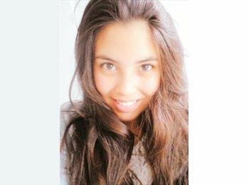 Constanza Martinez - 19 - Estudiante
