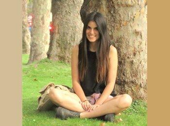 Claudia   - 20 - Estudiante