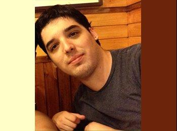 Camilo Campos - 29 - Estudiante