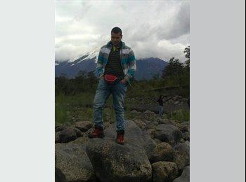 Carlos Azocar  - 22 - Estudiante