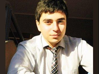 Carlos Mora  - 23 - Profesional