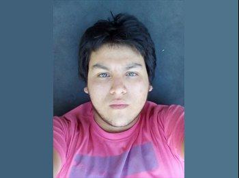 Cristóbal  - 21 - Estudiante