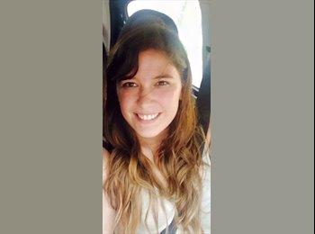Camila  - 30 - Profesional