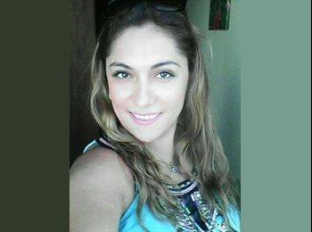 Camila - 26 - Profesional