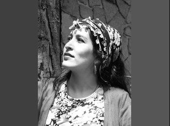 Daniela Gómez Almendra - 32 - Profesional