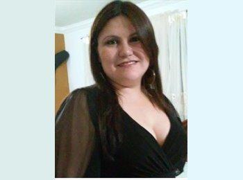Leticia Salgado - 30 - Profesional