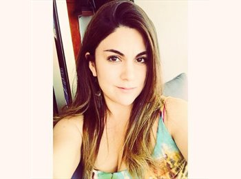 Claudia - 24 - Profesional