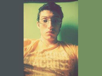 Francisco - 23 - Estudiante