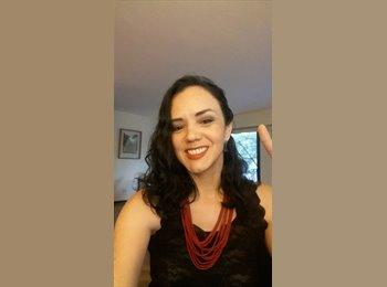 Elena Carolina - 32 - Profesional