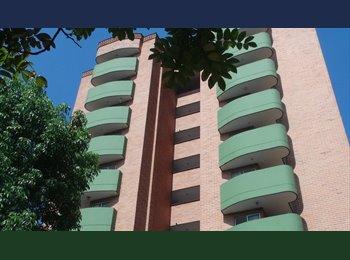 CompartoApto CO - habitacion en el Poblado, Medellín - COP$0 por mes