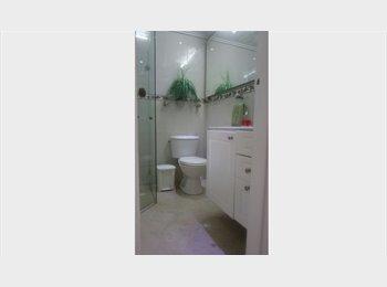 CompartoApto CO - Habitacion zona centro en apartamento familiar, Medellín - COP$0 por mes