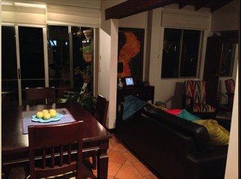CompartoApto CO - Habitación en El Poblado disponible Ahora mismo!! - Zona Sur, Medellín - COP$0 por mes