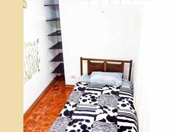 Renting a Room in La Soledad (2 spaces)