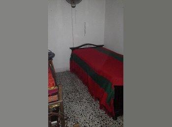 CompartoApto CO - Arriendo habitación medellin sector estadio, Medellín - COP$0 por mes