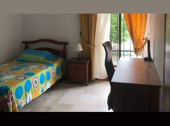 CompartoApto CO - Alquilo habitación amoblada en Barrio Cambulos, Cali - COP$450.000 por mes