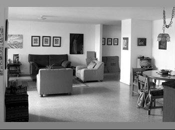 CompartoApto CO - Habitación en Suramericana - Zona Occidente, Medellín - COP$0 por mes