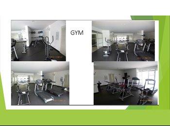 CompartoApto CO - B/Loma delos Bernal Club House GYM 2Piscina Squash Turco Sauna - Zona Sur, Medellín - COP$0 por mes