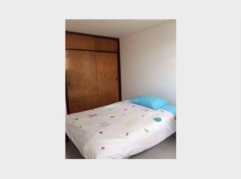 CompartoApto CO - Habitación bien ubicada baño propio - Zona Norte, Bogotá - COP$0 por mes