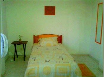 CompartoApto CO - Habitacion Amueblada en el Pie de la Popa sobre la Avenida del Lago - Cartagena, Cartagena - COP$0 por mes