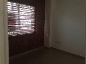 Alquilo habitación apartamento el Refugio Sur,  a mujer que...