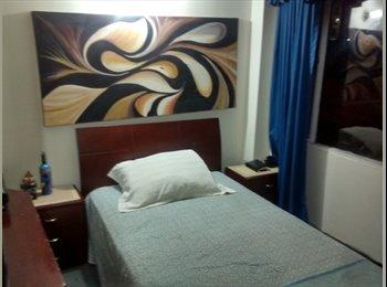 CompartoApto CO - Habitación disponible CHAPINERO - Chapinero, Bogotá - COP$0 por mes