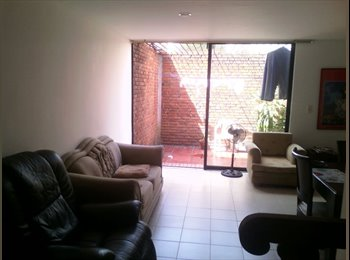 CompartoApto CO - Arriendo cómoda habitación en Caobos, Cúcuta - COP$420.000 por mes