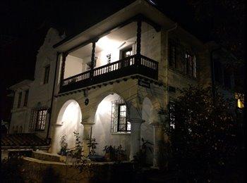 Habitacion con baño privado en hermosa casa colonial