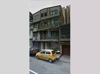 CompartoApto CO - Habitación  disponible  para arrendar por corto tiempo - Zona Centro, Medellín - COP$0 por mes
