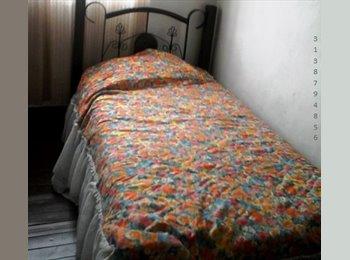 CompartoApto CO - Habitacion dama sola  , Pereira - COP$0 por mes