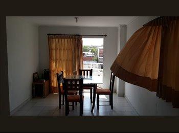 CompartoApto CO - Se arrienda habitación 380 mil todo servicio y internet.  a 1 cuadra del transmetro la 21 - Barranquilla, Barranquilla - COP$0 por mes