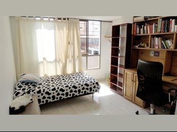 CompartoApto CO - Habitación grande en apto duplex. Único inquilino, Manizales - COP$0 por mes