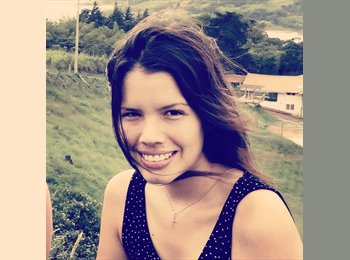 Laura - 22 - Estudiante