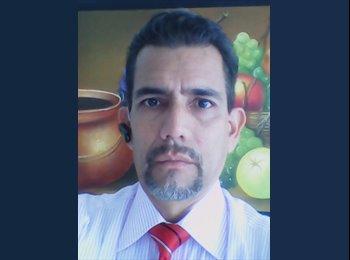 Ricardo  - 41 - Profesional