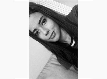 Michelle - 21 - Estudiante