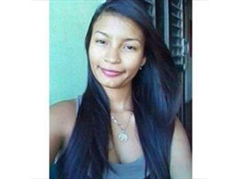 Maria Carrillo - 18 - Estudiante