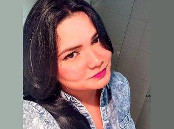 Mayra - 27 - Profesional