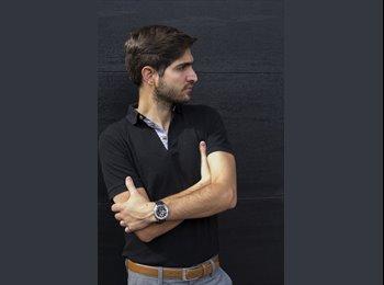 José - 29 - Profesional