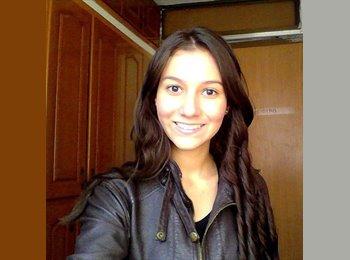 Natalia Dayanne - 19 - Estudiante