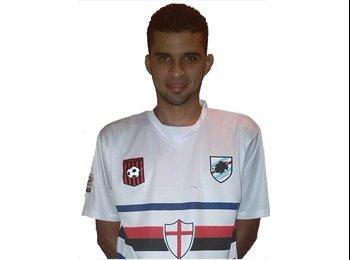 CARLOS ALBERTO - 28 - Profesional