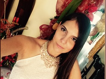 Fernanda - 28 - Profesional