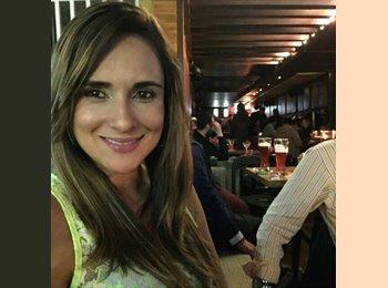 Lina Maria - 39 - Profesional