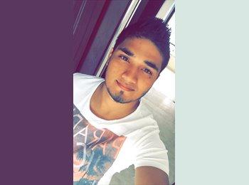 Alejandro  - 20 - Estudiante