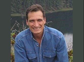 CompartoApto CO - Enrique Ferroni - 52 - Bogotá